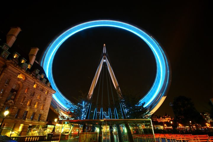 Long exposure of the London Eye