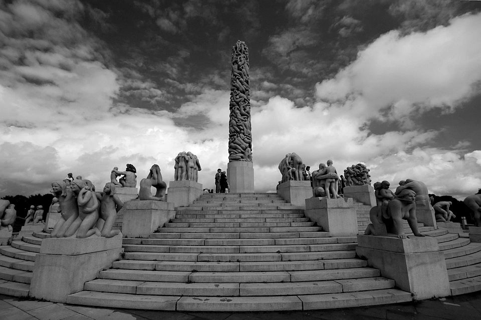 A statue in Oslo. Polariser created a much deeper contrast between the sky and clouds.